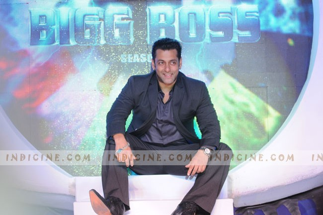 Salman at the launch of Alag Che Bigg Boss 6