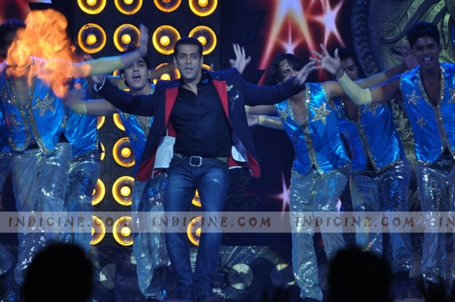 Salman Khan performs at People's Choice Awards