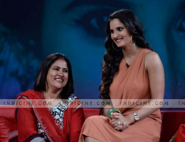 Sania Mirza with mother Nasima on Raveena's Issi Ka Naam Zindagi