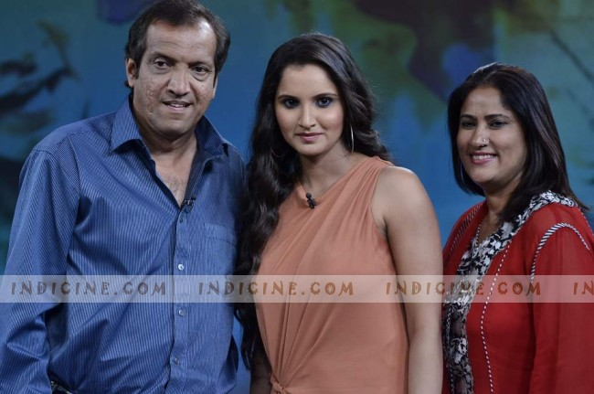 Sania Mirza with father Imran Mirza and mother Nasima on NDTV show 'Isi ka naam Zindagi'