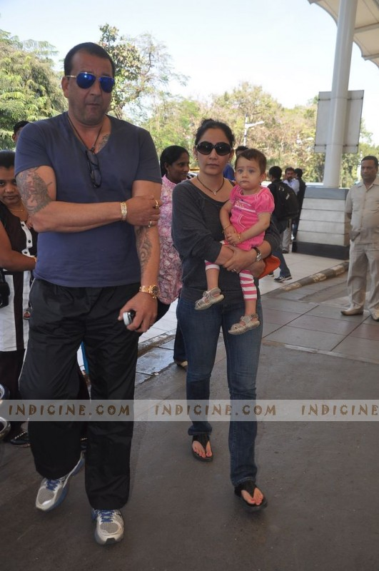 Sanjay Dutt With Wife Manyata And Kids leaves for Varun Dhawan's wedding