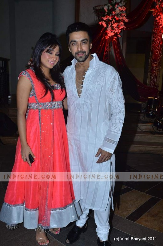 Aashish Chaudhary And Wife Aashish Chaudhary with wife