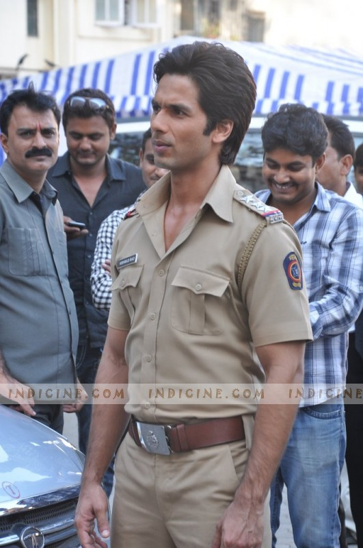 Shahid Kapoor on sets of Phata Poster Nikla Hero