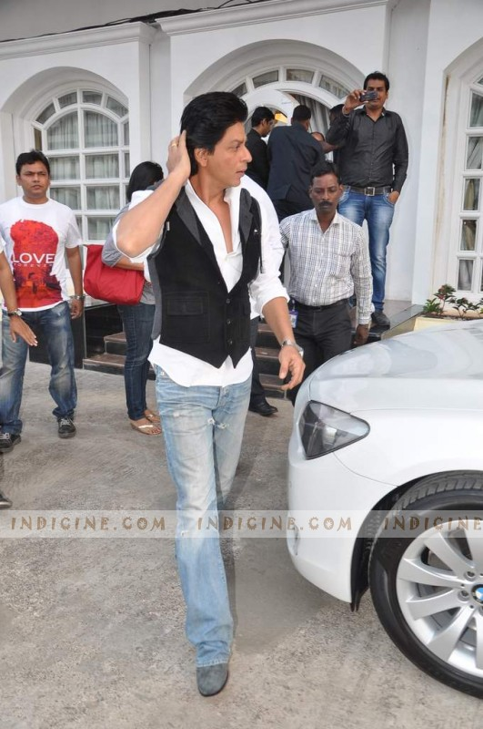 SRK at Taj Lands End