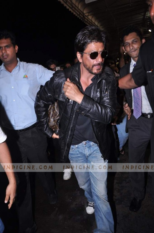 SRK at the airport