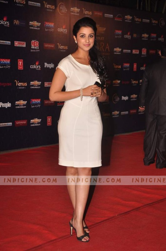 Parineeti Chopra Best Debut and Supporting Role Female Apsara awards 2012 awards