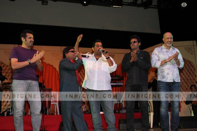 Shankar Ehsaan Loy On Stage with UDAAN  Band