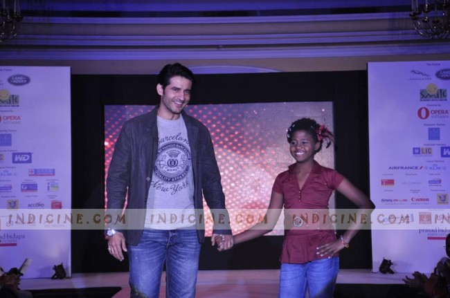 Hiten Tejwani at Smile Foundation Fashion Show