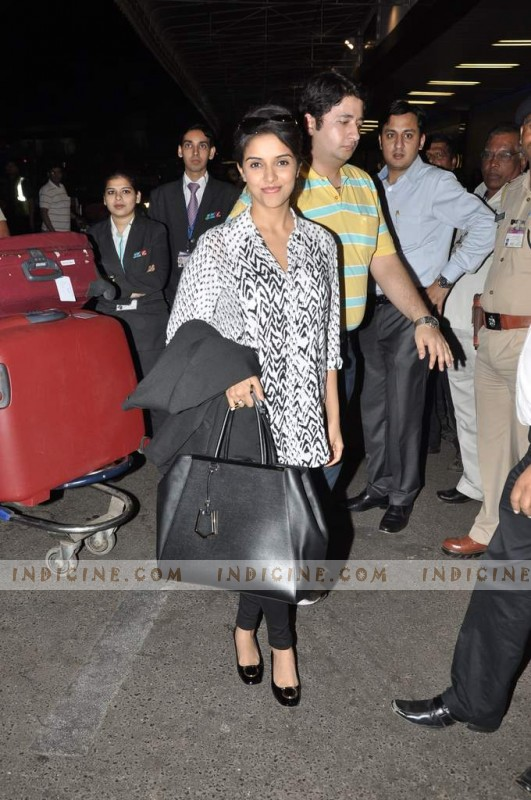 Asin leaves for TOIFA