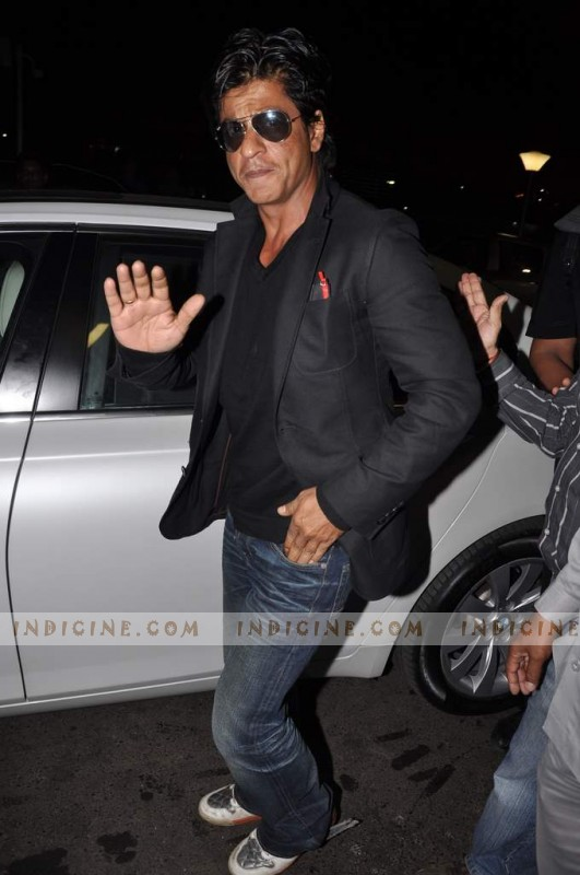 Shahrukh Khan leaves for TOIFA