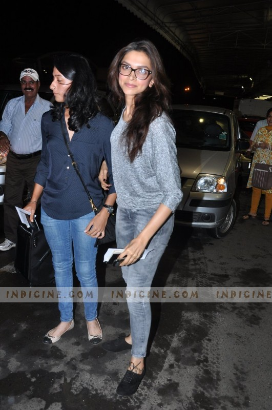 Deepika Padukone leaves for IIFA Awards 2013