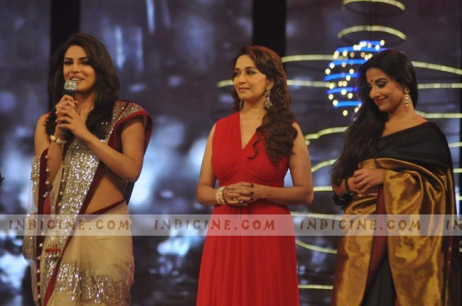 Priyanka Chopra, Madhuri Dixit, Vidya Balan at Star Screen Awards