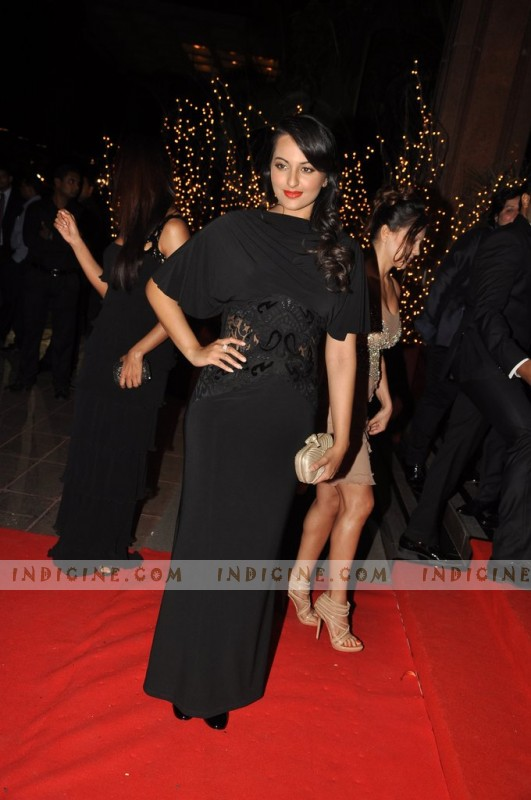 Sonakshi Sinha at Karan Johar's 40th birthday bash