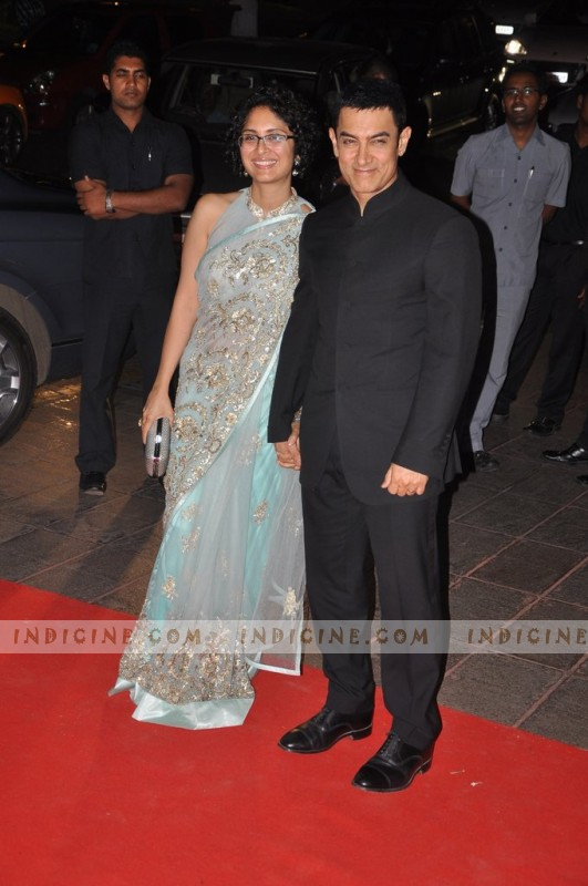 http://www.indicine.com/images/gallery/bollywood/events/stars-at-karan-johars-40th-birthday-party/67527-47-large.jpg