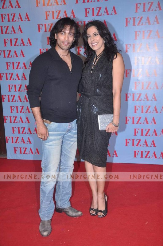 kashdeep Saigal, Pooja Bedi at Zarine Khan's Fizaa store launch
