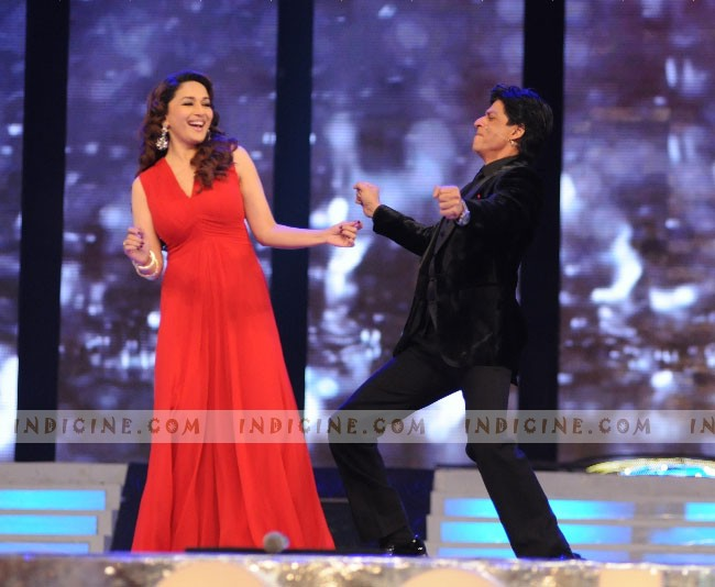 Madhuri, SRK Colors Screen Awards 2012 performance
