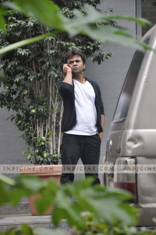 Rajpal Yadav visits Hrithik Roshan post his surgery at Hinduja Hospital