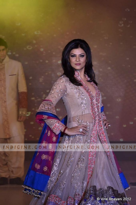 Sushmita Sen walks for Manish Malhotra's Lilavati Girl Child show