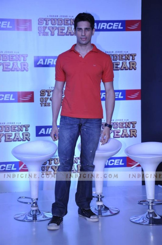 Siddharth Malhotra promotes SOTY at the launch of the Aircel contest