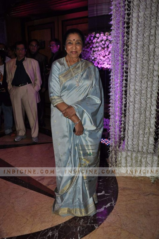 Asha Bhosle at Sunidhi Chauhan's wedding ceremony