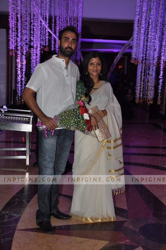 Ranvir Shorey with wife Konkona Sen Sharma at Sunidhi Chauhan's wedding ceremony