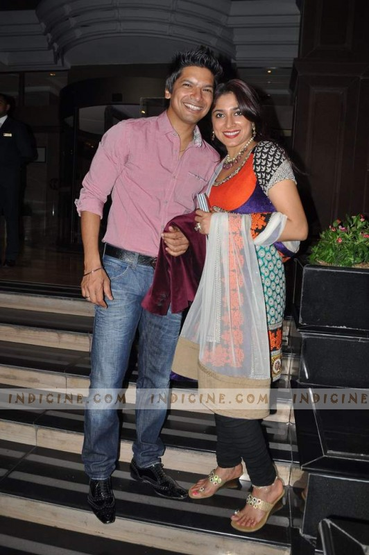 Shaan with wife Radhika at Sunidhi Chauhan's wedding