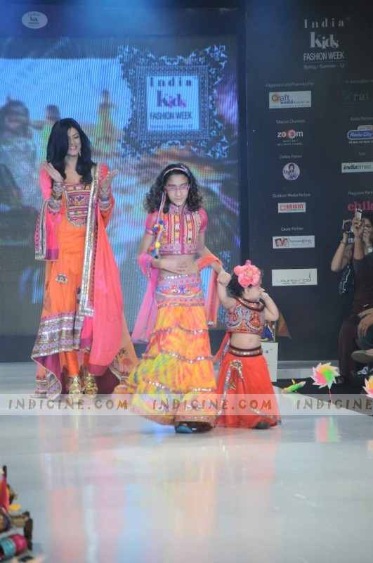 Sushmita Sen with Daughters walks at Kids Fashion Show