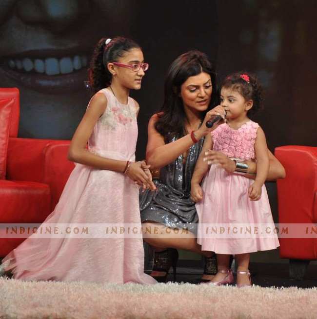 Sushmita Sen with her daughters Renee and Alisah