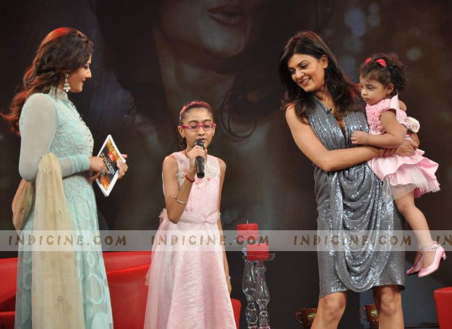 Susmita Sen with her daughters - Renee and Alisah
