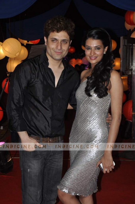 Shiny Ahuja, Sayali Bhagat at Zee Rishtey Awards