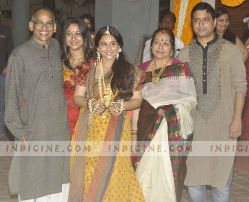 Vidya with her parents Saraswathy and P R Balan, sister Priya and brother-in-law Kedar