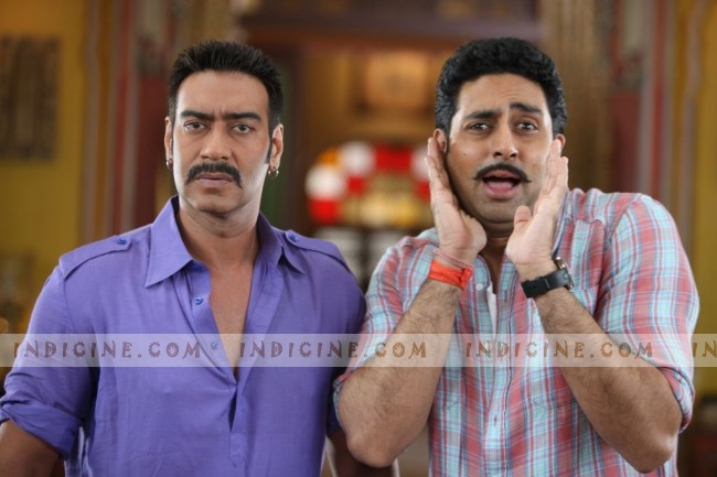 Ajay Devgan and Abhishek Bachchan still from Bol Bachchan