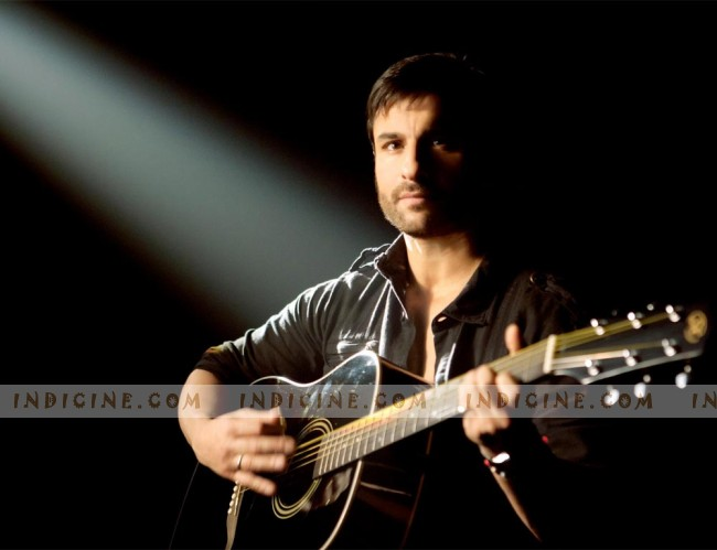 Saif Ali Khan in Yaariyaan Song from Cocktail