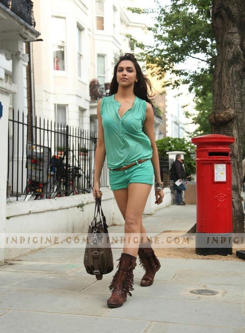 Deepika Padukone Photos: Latest 2012
