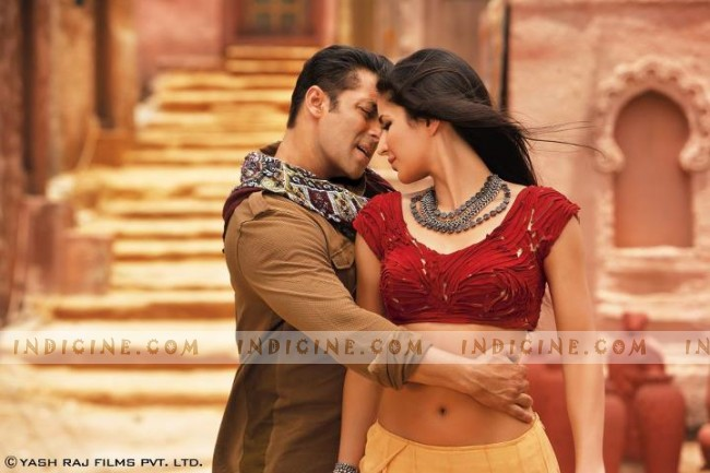 Salman Khan, Katrina Kaif - Mashallah Song from Ek Tha Tiger
