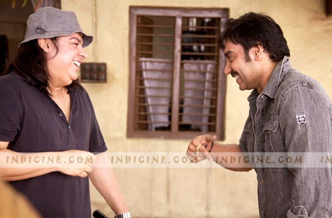 Sajid Khan, Ajay Devgan on the sets of Himmatwala