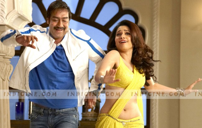 Ajay Devgan, Tamanna Bhatia - Himmatwala