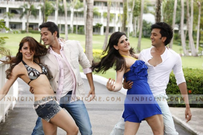 Housefull 2 girls