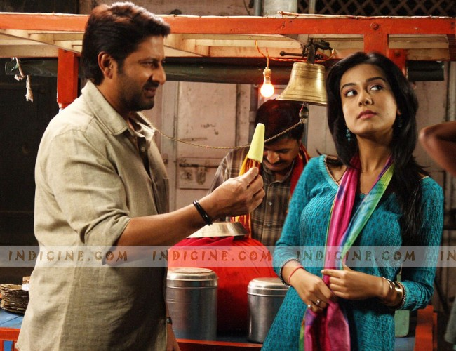 Arshad Warsi, Amrita Rao - Jolly LLB Still