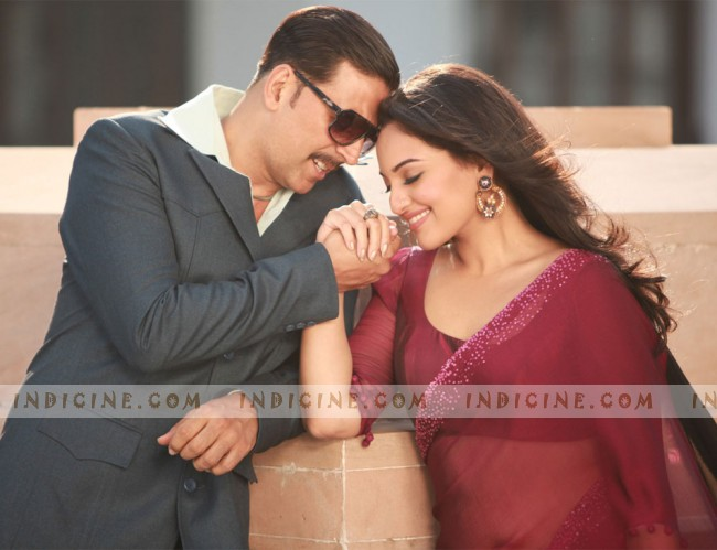 Sonakshi Sinha, Akshay Kumar still from Once Upon A Time In Mumbaai Dobara
