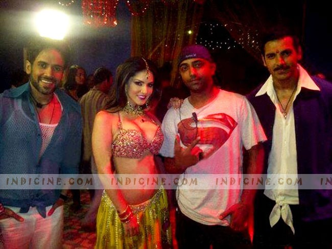 Tusshar Kapoor, Sunny Leone, John Abraham on the sets of Shootout at Wadala