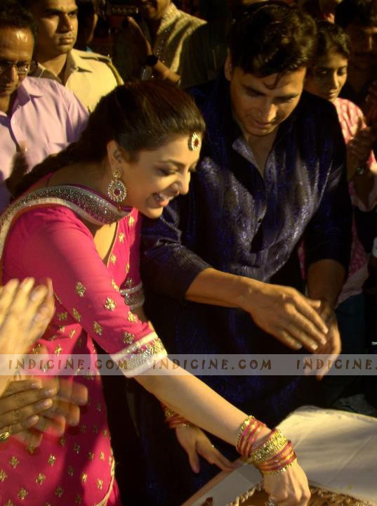 Akshay Kumar, Kajal Agarwal on the sets of Special Chabbis