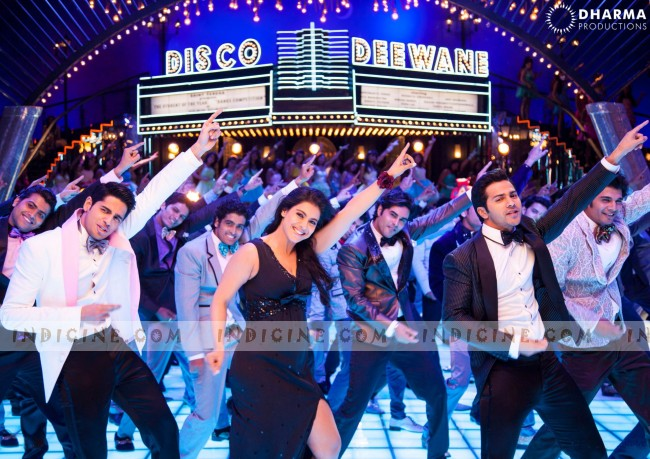 Kajol in the Disco Deewane from Student Of The Year