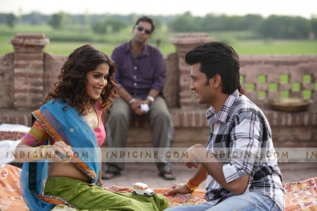 Tere Naal Love Ho Gaya Pictures