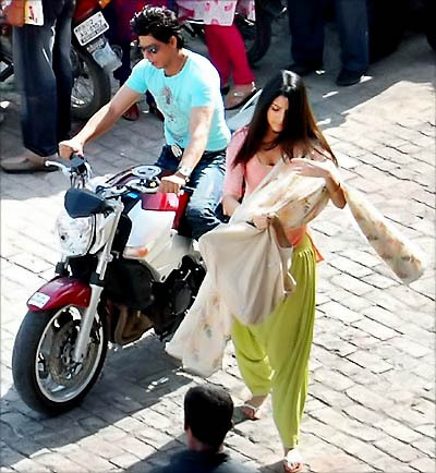 Anushka Sharma with Shahrukh Khan