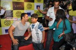 Salman talking to his fan