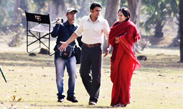 Ranveer Singh, Sonakshi Sinha shoot for Lootera in small village of Bengal