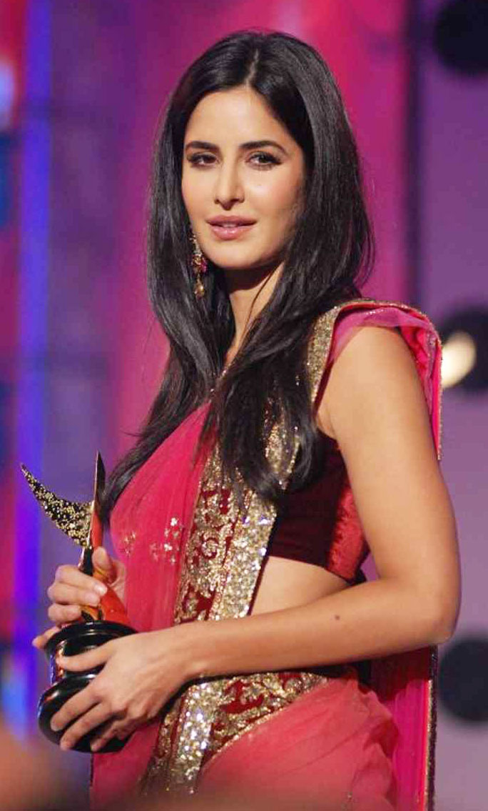 Katrina Kaif in Pink dress at Apsara Awards 2011