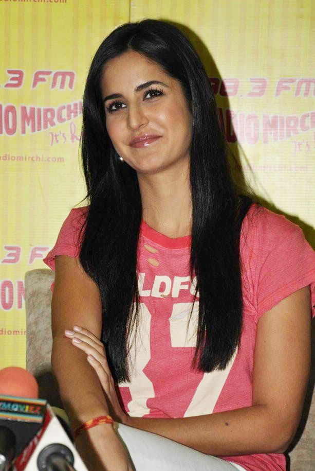 Katrina Kaif in Pink dress at Mere Brother Ki Dulhan promotions