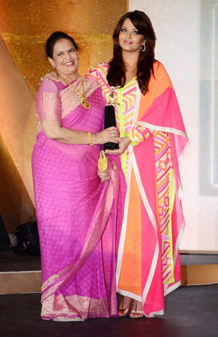 Aishwarya Rai with Vrinda Rai at Femina Women Awards